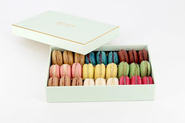 Macaron box 27 pcs aed 139.00