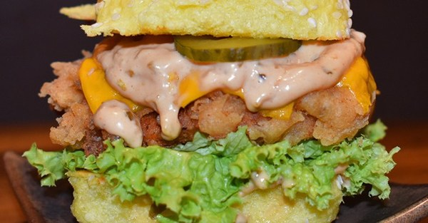 Classic chicken burger aed20 copy 2