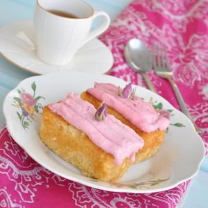 Drivu Rose Raspberry Cake