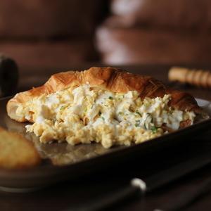 Drivu Egg & Cheese Croissant