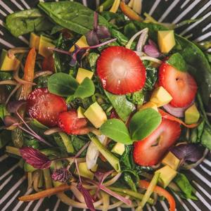 Drivu Strawberry Spinach Salad