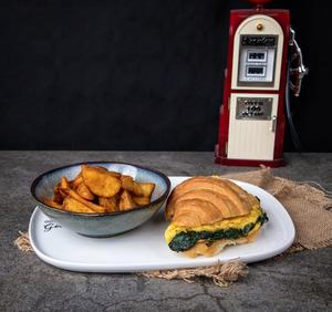 Drivu Egg Spinach in a Croissant