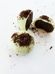 Drivu White Oreo Brownie Bites