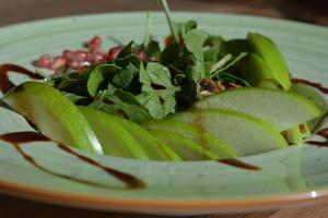 Drivu Grenadine Apple Salad
