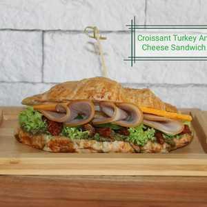 Drivu Turkey Cheese Croissant Sandwich