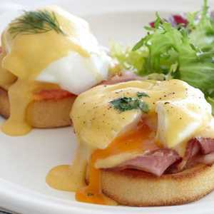 Drivu Egg Benedict