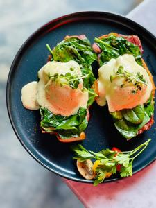 Drivu Egg Benedict with Bacon & Spinach