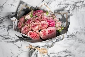 Drivu Pink Bouquet with Wrapping (30 Roses)