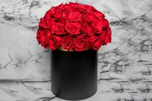 Drivu Black Box with Red Roses