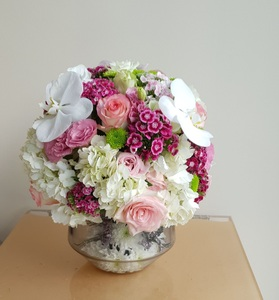 Drivu Glass Vase Round with Mix Flowers