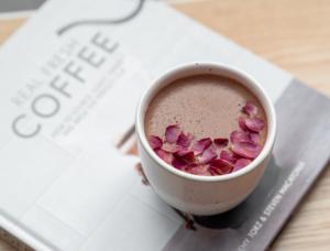 Drivu Mirzam Rose Hot Chocolate