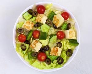 Drivu Halloumi Salad