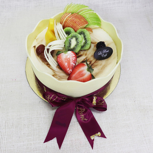 Drivu Vanilla Cake with Fruits on Top