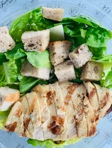 Drivu Traditional Caesar Salad with Chicken