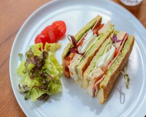 Drivu Galestro Club sandwich