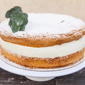 Drivu Victoria Sponge Cake Slice