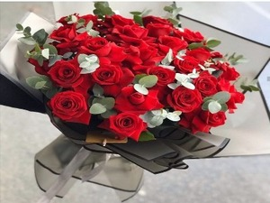 Drivu  Red Roses Bouquet