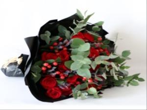 Drivu Classic Red Bouquet