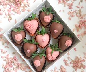 Drivu Flower & Heart Strawberries (16 pieces)
