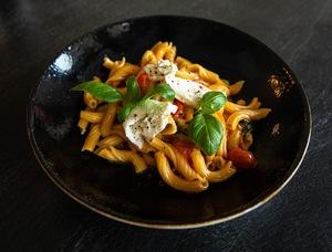 Drivu Pasta Al Pomodoro & Burrata