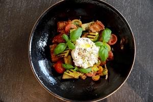 Drivu Classic Panzanella Salad