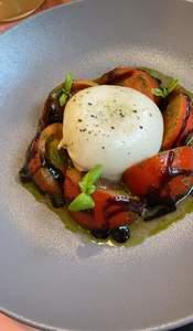 Drivu Burrata & tomato