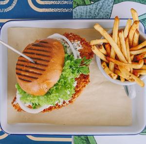 Drivu Panko Chicken Burger