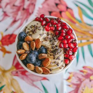 Drivu Crunchy Almonds & Summer Fruits Bowl