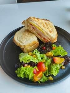 Drivu Turkey Ham & Cheese Tomato