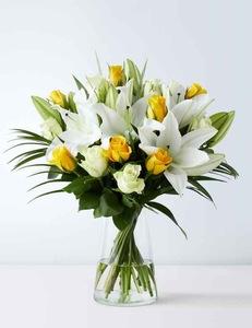 Drivu White and Yellow Rose Vase