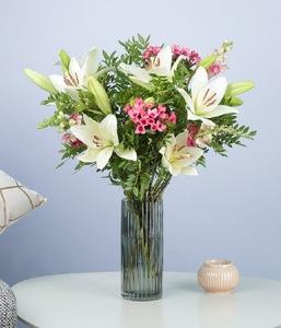 Drivu Flower in a Vase