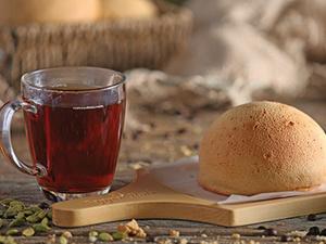 Drivu Cardamom Tea With Bun