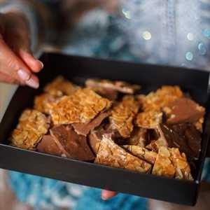 Drivu Caramelized Almonds (Small Box)