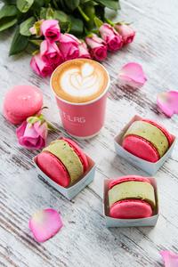 Drivu Pistachio Macaron Ice Cream