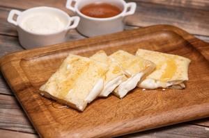 Drivu Roti with Cream Cheese & Honey