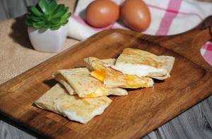 Drivu Roti with Eggs & Mozzarella Cheese