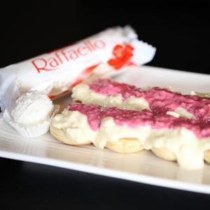 Drivu بان كيك رافايلو مع رازبيري Pancake Rafaello with Raspberry