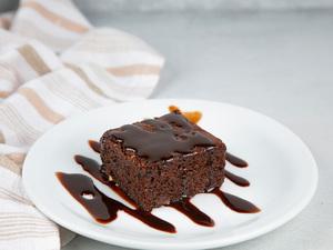 Drivu Brownie Cake