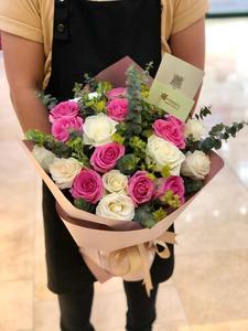 Drivu Blush Bouquet