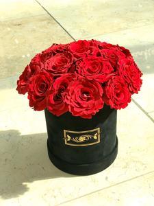 Drivu Velvet Box with Roses (Medium)