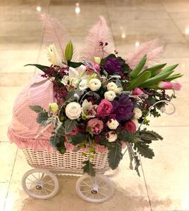 Drivu Baby Girl Crib Fresh Flowers Arrangement