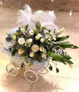 Drivu Baby Boy Crib Fresh Flowers Arrangement