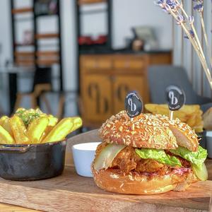 Drivu Buttermilk Chicken burger