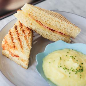 Drivu Ham & Cheese toasty