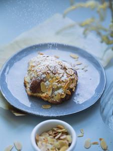 Drivu Almond Mini Croissant
