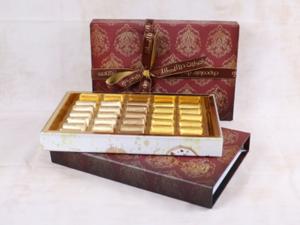 Drivu 600g Victorian Single Layer Box, Maroon Color, Mix Chocolate