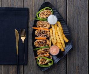 Drivu صحن شاورما دجاج عربي Arabian Chicken Shawarma plate