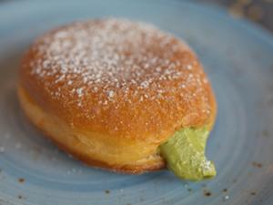 Drivu Pistachio Donut