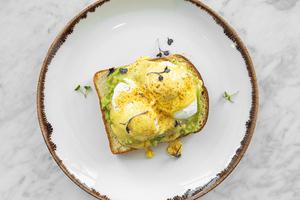 Drivu Avocado Toast (Eggs)