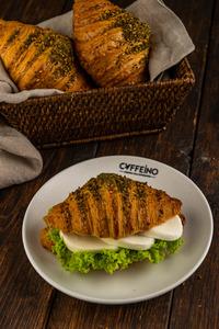 Drivu Zaatar & Mozzarella Croissant
